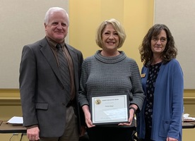 Cindy Griggs Presented with Pacesetter Award